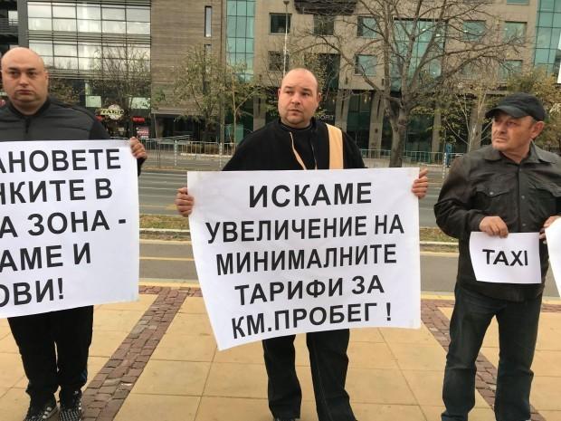 <div Повишаването на цените на таксиметровите услуги във Варна отново