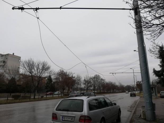 За пореден инцидент с паднали тролейбусни жици в Пловдив научи
