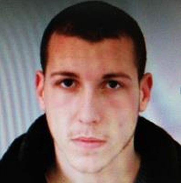 Служители на СДВР са задържали 23-годишния Захари Чернев, който блъсна