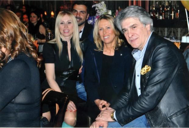 Срещата с един от най-големите български музикални звезди започва в
