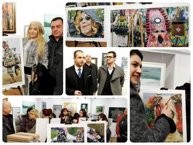 Burgas24.bg виж галерията Традиционната коледна кампания на младежите от ДБГ ще