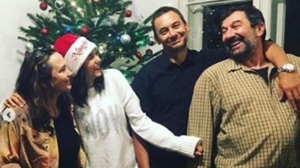 Снимка: Нина Добрев се прибра в България за Коледа