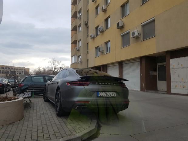 Пловдивчанин сигнализира до Plovdiv24.bg за поредна неприятна случка с паркиране