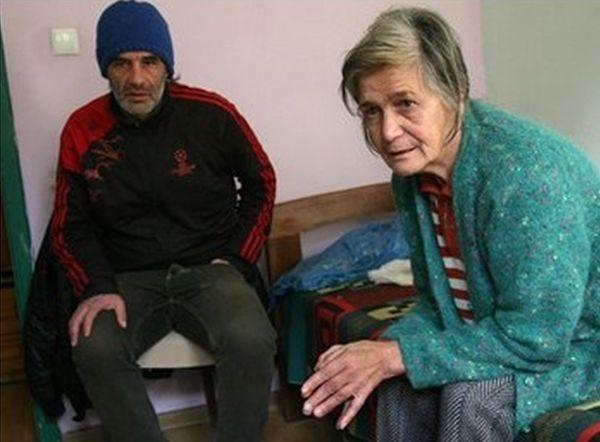 Пенсионираната учителка от Пловдив Блага Беберова и синът й Илия