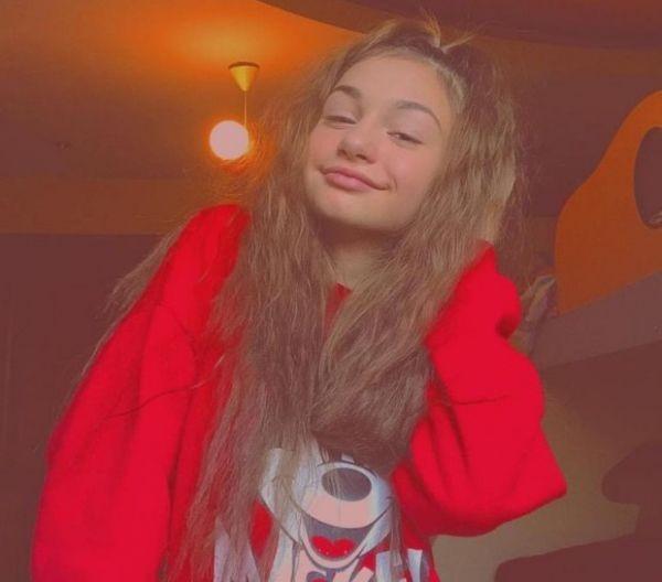 Снимка: Любимката на Слави грее от щастие: Влюбена е!