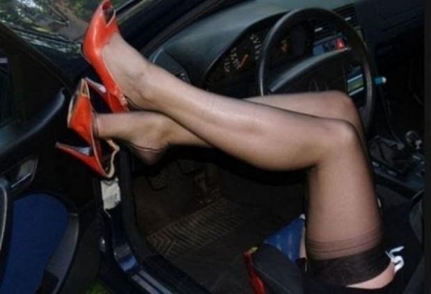 Млада жена е заловена да кара автомобила си след употреба