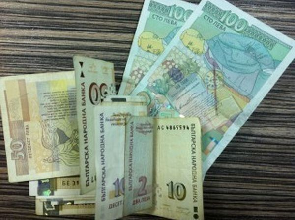Снимка: По празниците българите са купували на изплащане най-много стоки за забавление