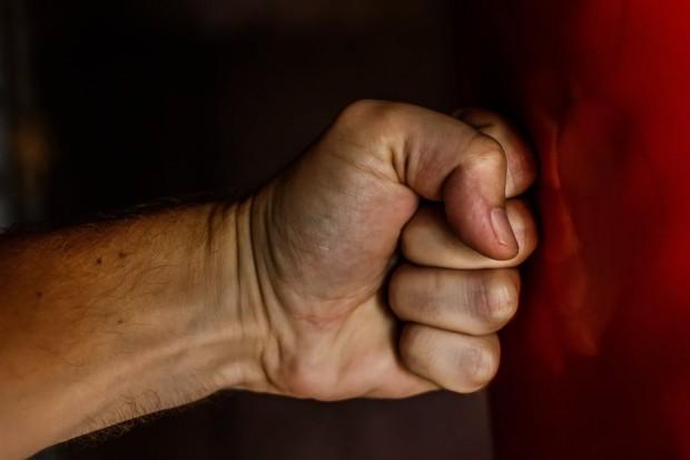 Снимка: Масов бой между крадливи англичани и група българи в еротик клуб в Банско