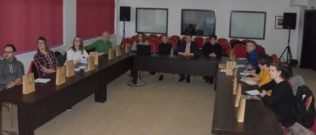 Представители от организация