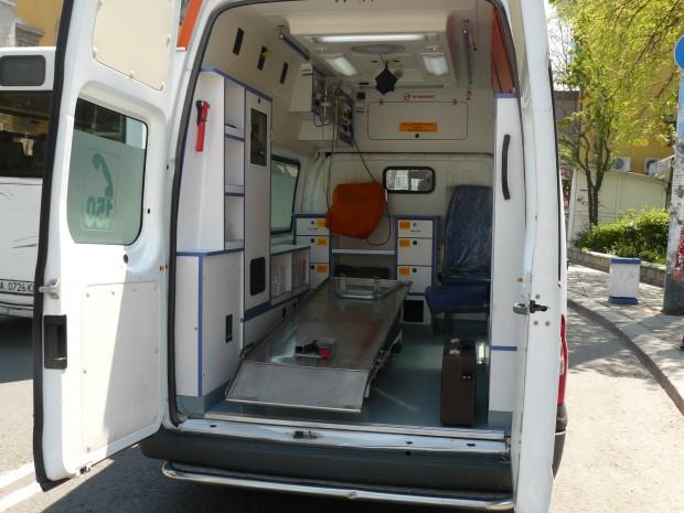 Жената е отведена в УМБАЛ – Бургас, прегледана е и