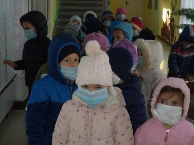 Снимка: Официално пускат учениците във Варна в грипна ваканция