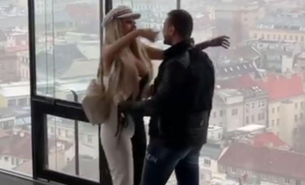 Снимка: Джулиана Гани получи супер романтично предложение за брак във Виена!