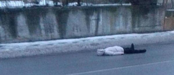 65-годишна жена от Бобов дол ежедневно стопира автомобили по пътищата