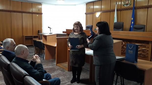 Председателят на Апелативен съд – Пловдив Магдалина Иванова награди с