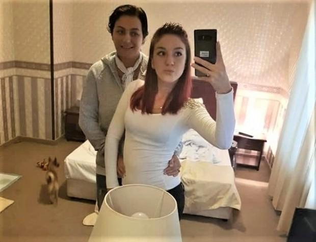 Снимка: Бургаската лесбийка Диляна чака син, избрала му е нестандартно име