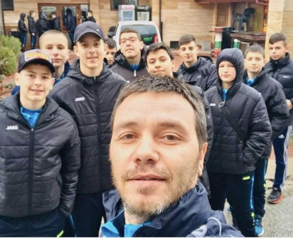 Снимка: Важно начало! Братът на Стоичков стана треньор