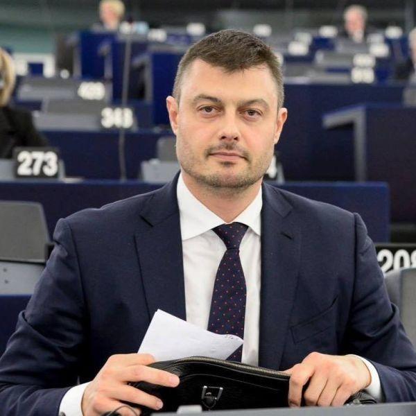 Снимка: Евродепутатът Бареков е на път да сбъдне голяма своя мечта: Изненадата е голяма