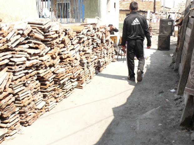 Служители на Община Бургас предотвратиха продажбата на 14-годишно дете зад