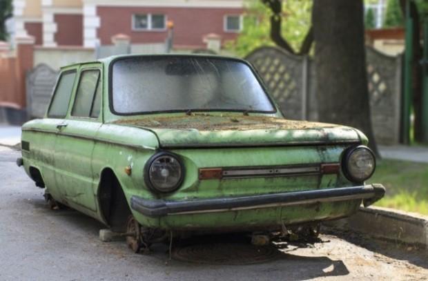Продължава разчистването на старите автомобили от варненските улици, става ясно