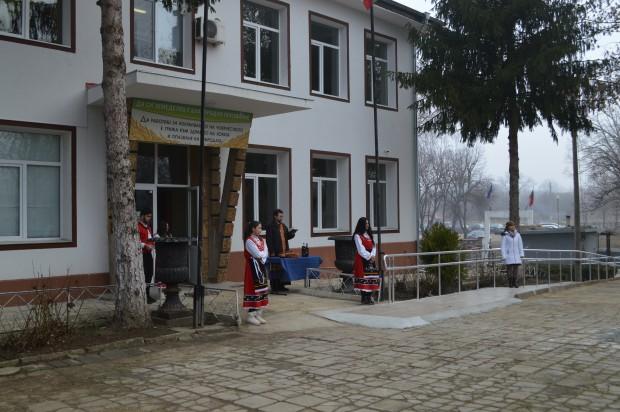 Гимназията по селско стопанство в село Стефан Караджа бе изцяло