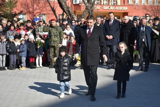 Снимка: Благоевград се преклони пред паметта на Дякона