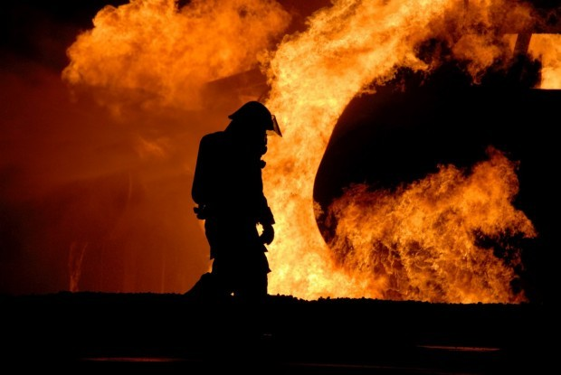 Снимка: Баба пироманка неволно запали дома си