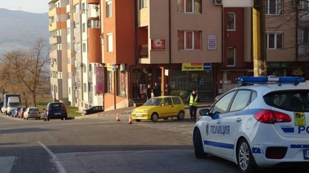 Снимка: Блъснаха момиче на пешеходна пътека в Благоевград