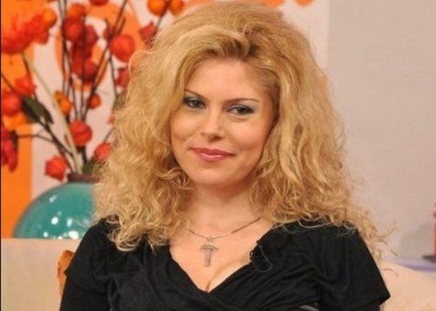 Абсолютно сама синоптичката Деси Банова-Плевнелиева отглежда новороденото си бебе, разбра