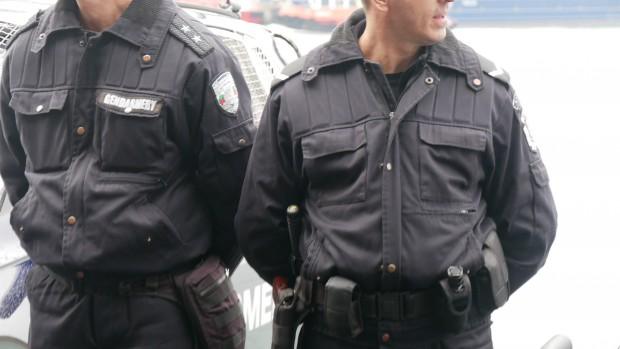<div Специализирана полицейска операция с цел установяване и задържане извършители