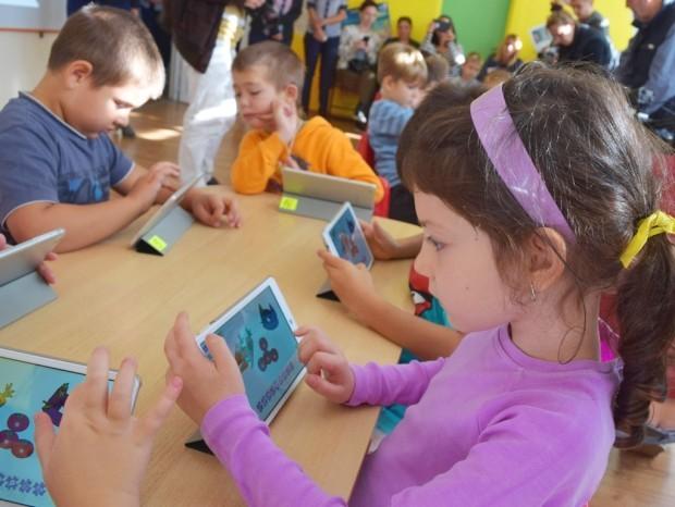 Снимка: Оборудват училищните кабинети с технологии, ще има нови методи на преподаване