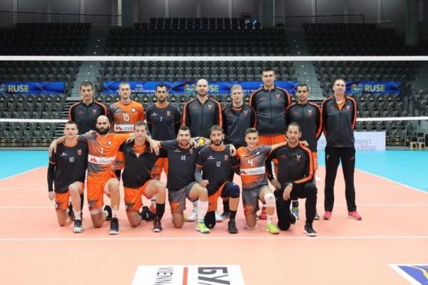 Волейболистите наДунав (Русе) победиха като гостиЧерно море с3:0 (25:20, 25:21,