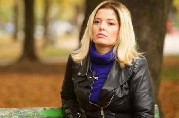 Актрисата Александра Сърчаджиева ще застане пред телевизионната камера за първи