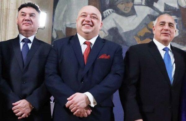 Спортните министри и представители на футболните федерации на България, Румъния,