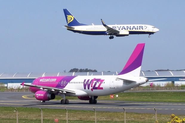 Снимка: Глобиха с милиони Ryanair и Wizz Air