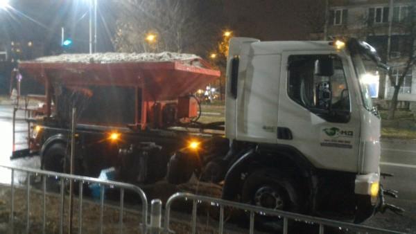Всички основни пътни артерии в Пловдив са почистени до асфалт
