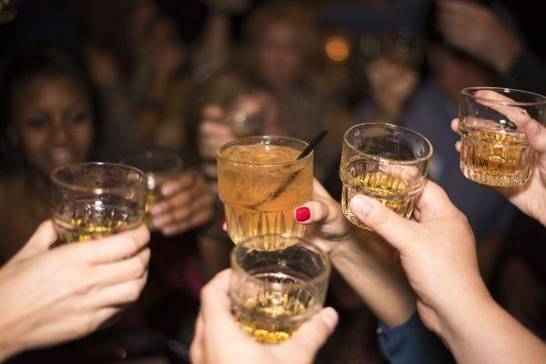Снимка: Тревожен факт: България е на едно от първите места в ЕС по ранна употреба на алкохол