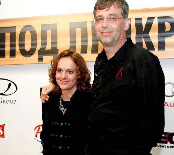 Снимка: Параскева Джукелова без много шум се раздели с мъжа си