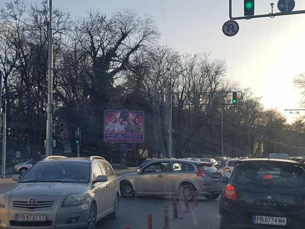 Наглите изпълнения по пловдивските улици продължават. Обратен завой на забранено