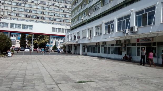Снимка: Министър Ананиев: Няма да има и ден без кардиохирургия в Бургас