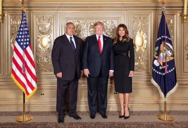 От името на правителството на Съединените щати поздравявам българския народ