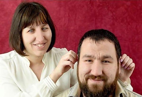 Снимка: Незрящи брат и сестра помагат на хора да си намерят работа