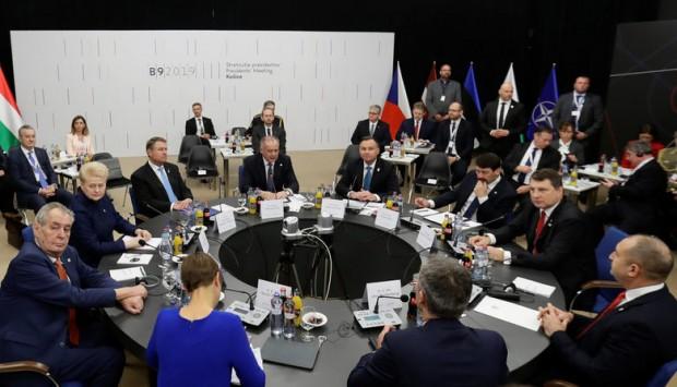Снимка: Президентът Радев премълча остра декларация срещу Русия, която е подписал