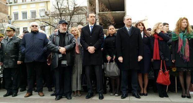 Burgas24.bg кметът на Бургас Димитър Николов минути след издигането на