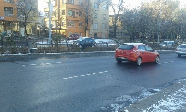Снимка: Студ скова Бургас тази сутрин! Температурите ще скочат рязко през деня