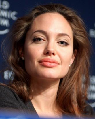 Снимка: Аджелина Джоли ще се омъжва за милиардер?