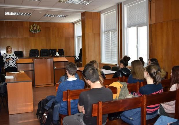 Образователна среща с цел повишаване на правната култура на доброволци