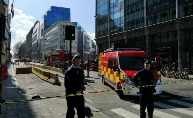 Twitter Десетки хора бяха евакуирани заради бомбена заплаха в Брюксел, съобщава