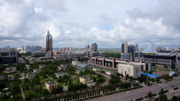 Казахстан официално преименува столицата си Астана на Нурсултан в чест