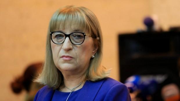 БГНЕСМинистърът на правосъдието Цецка Цачева ще подаде оставка заради купения