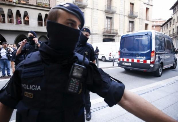 Полицията в Испания задържа възрастна двойка на 73 и на